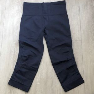 Lululemon Special Edition In the Flow Crops Size 4